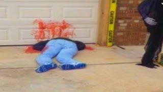 Repeat youtube video Imágenes de Impacto: Cadáveres en el patio de una casa - Exclusivo Online