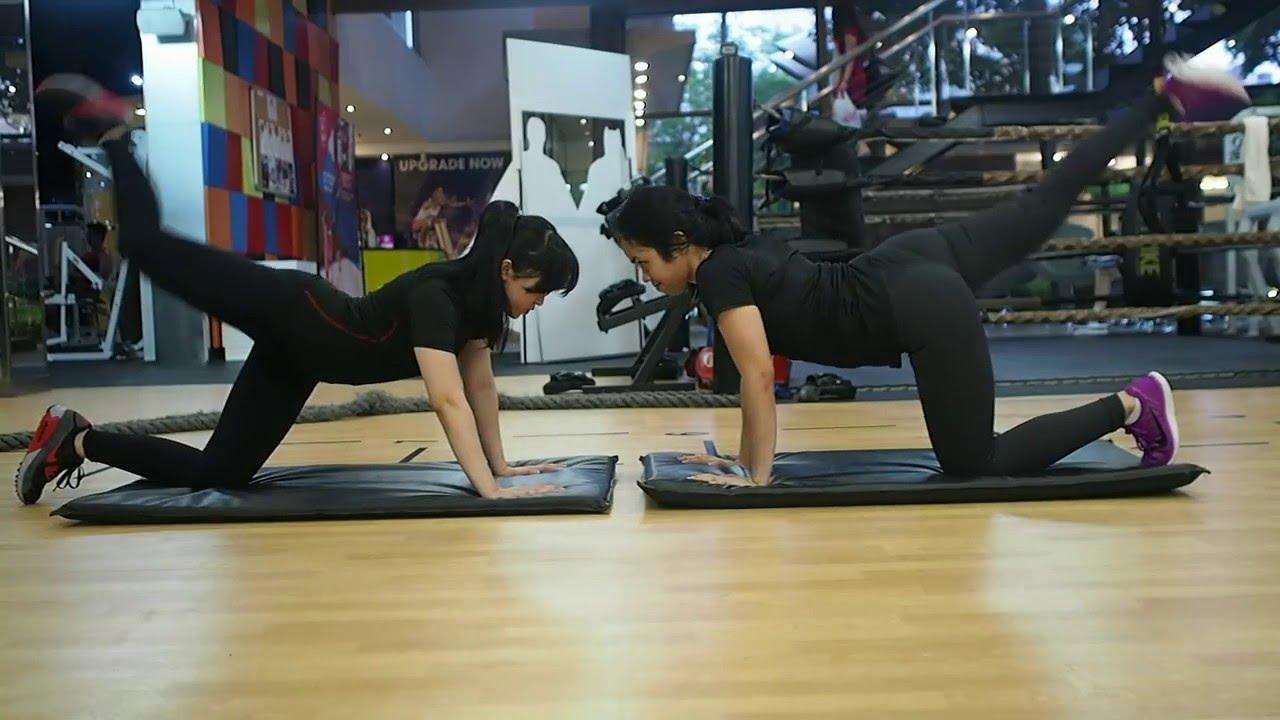 Sexyass gym girl — photo 13