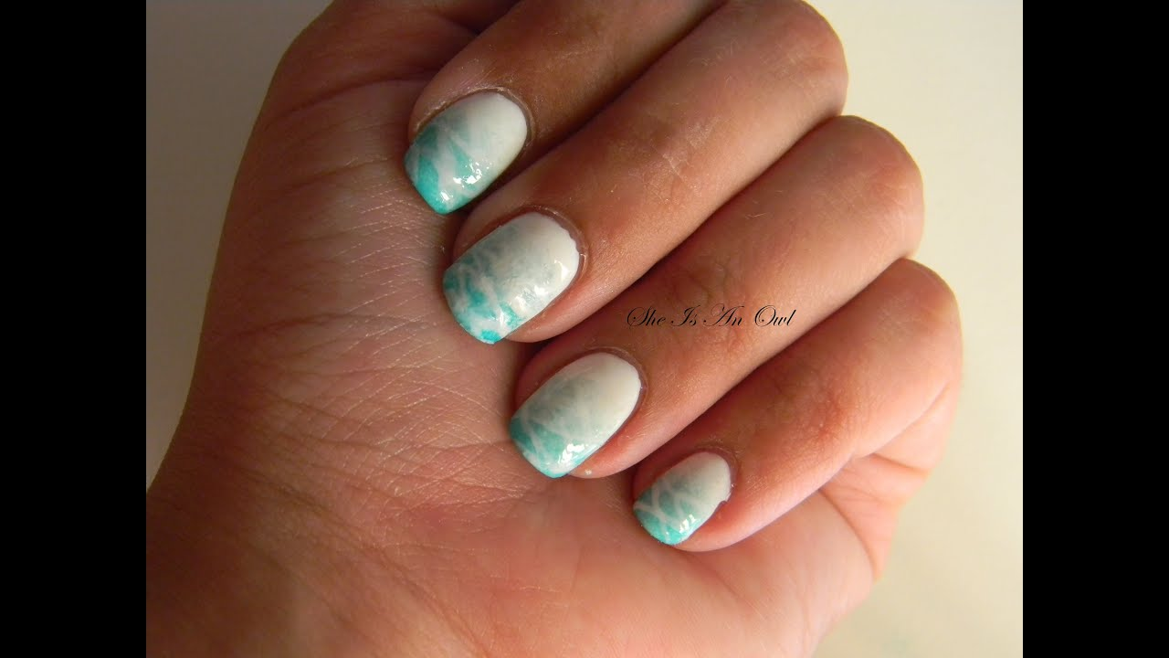 blue seabed ombre nails unghie