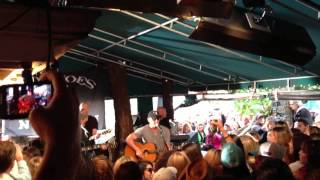 kenny chesney out last night keg in the keys free show 3 3 13