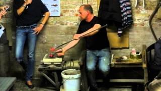 мастерская муранского стекла-изготовление стеклянной лошади(После моего путешествия по италии остались видео смотрите., 2013-05-13T17:04:04.000Z)