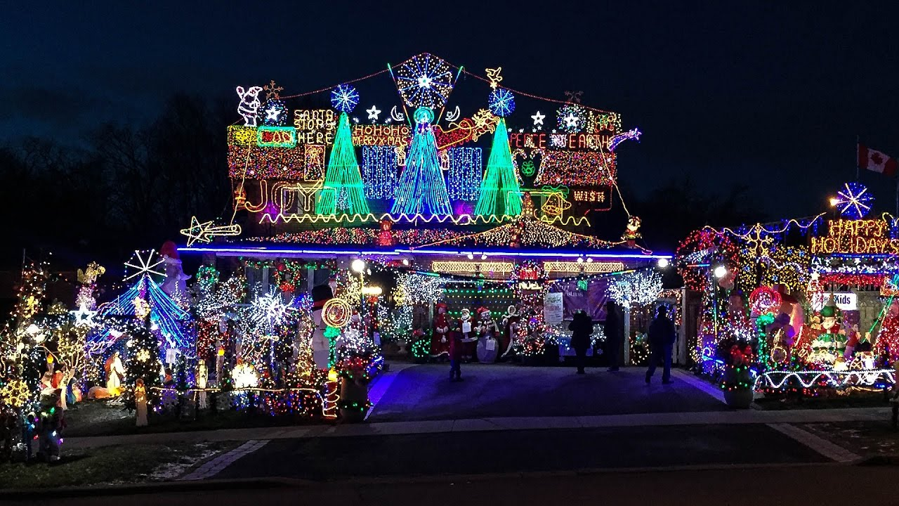 165 Benjamin Boake Trail Goes All Out During The Holidays