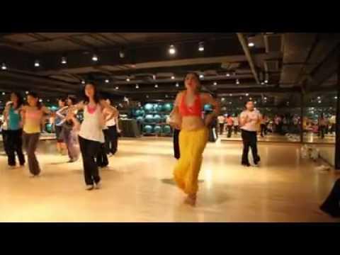 Hongkong girls dance for blockbuster song 'poovai poovai' from mahesh babu's dookudu