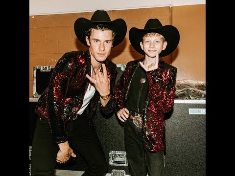 Mason Ramsey With Shawn Mendes In Nashville
