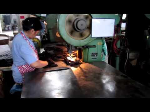 China Import, China Quality Control: Brackets Shelves / Production 2