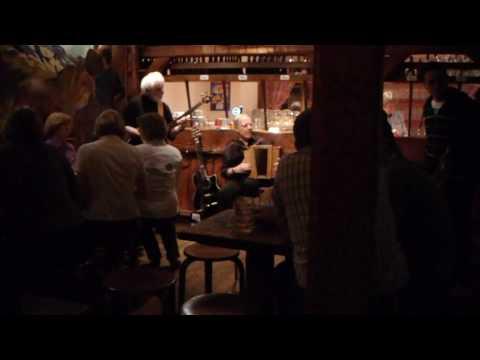 First Visit to Zurich: Aelpli Bar - Traditional Music