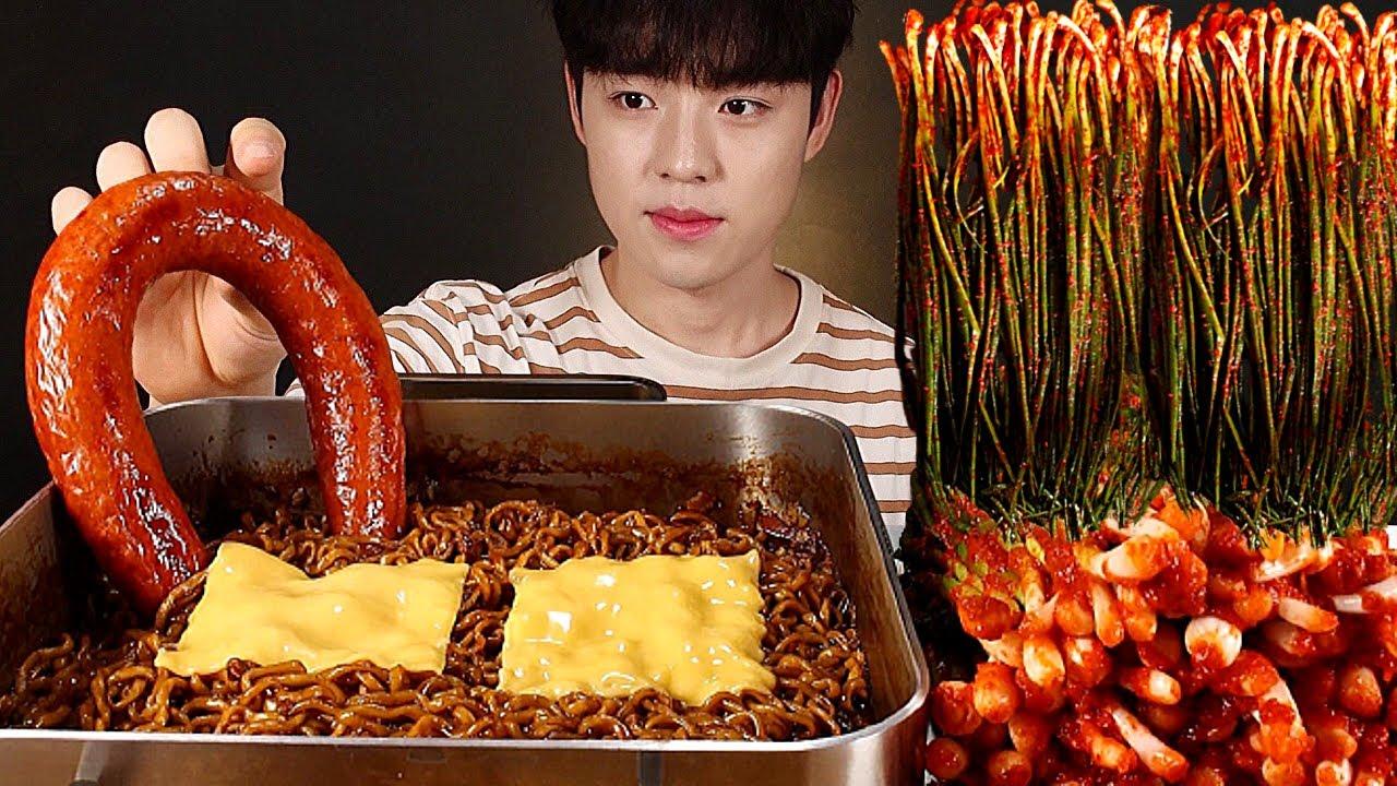 🧀 짜파게티 3봉에 직접만든 파김치 킬바사소세지까지 먹방 jjapaghetti kielbasa sausage mukbang asmr