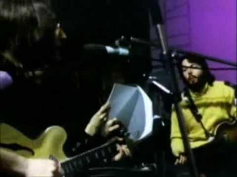 Paul Mccartney Lennon arguing   hello group