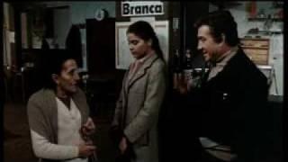 Romanzo Popolare (Mario Monicelli 1974) inizio film