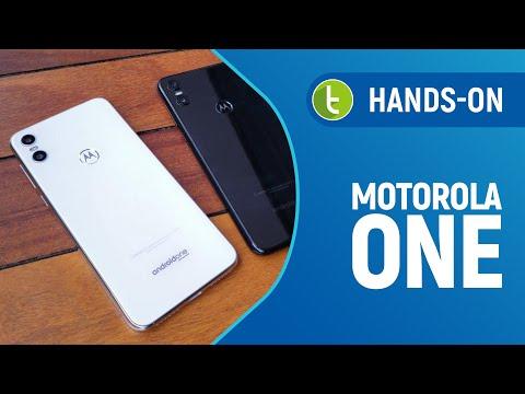 Motorola One chega