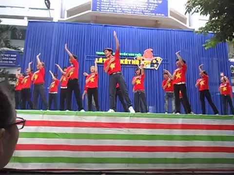 THCS nguyễn văn trỗi - 9/1 Ent - {2011-2012} - nhảy dân vũ  [ 28.07.11]