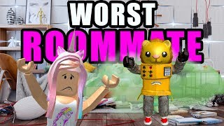 ROBLOX BLOXBURG MY ROOMMATE IS MESSY SMELLY & LOUD