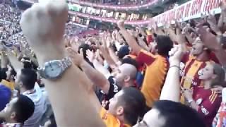 Galatasaray Tribün Korosu - İnandık Biz Sizlere (Cimbom Yüzümüzü Güldür Bu Sene)