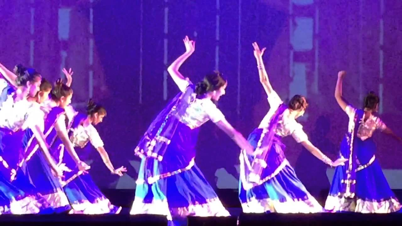 manwa laage single dance)
