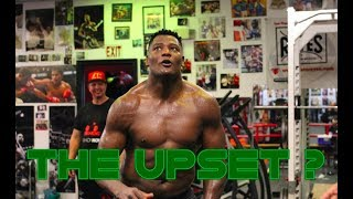 LUIS ORTIZ LOOKS IN GREAT SHAPE : CAN HE CAUSE THE UPSET ?