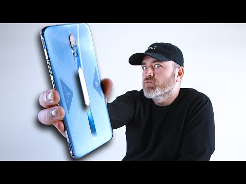 This New Smartphone is an ABSOLUTE BEAST