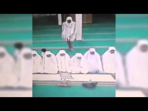 Девушки танцуют в нижнем белье (видео)