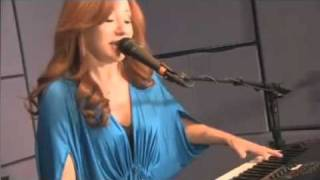 Streetdate Tori Amos Carry 11-2011