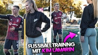 Ich bringe Kim Lamarin Fußball spielen bei !