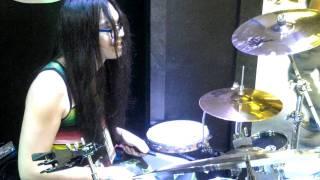 Kenken (RIZE) showcases his drum skills at NAMM 2012 ケンケン 検索動画 18