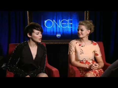 'Once Upon a Time': Ginnifer Goodwin and Jennifer Morrison
