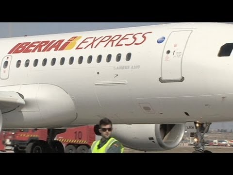 Iberia pilots to strike over low cost carrier launch
