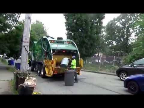Waste Management Cng Mack Mru Mc Us Xc Rear Loader On Yard Waste