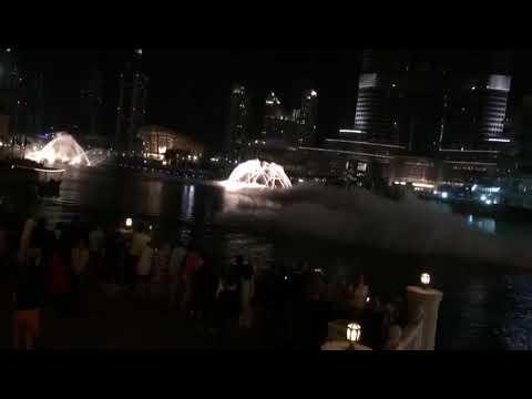 Dubai Fountain Show / Musik: Celine Dion feat. Andrea Bocelli - The Prayer