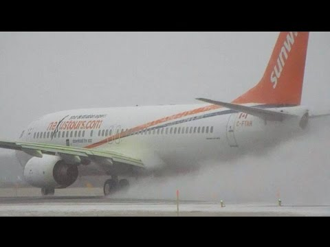 Winter Ops at YQB : Sunwing/Transat Compilation, Several Liveries!