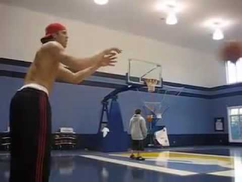 Miami Heat 3 Point Assasin Mike Miller Shows Why The Heat Signed Him 2010