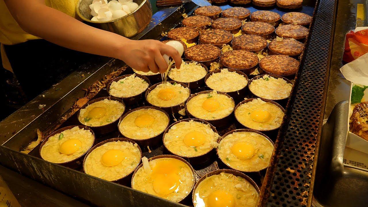 bacon egg fried pancake - okonomiyaki / taiwanese street food