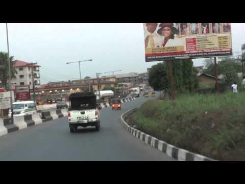 Entrada na cidade de Umuahia (Nigeria)