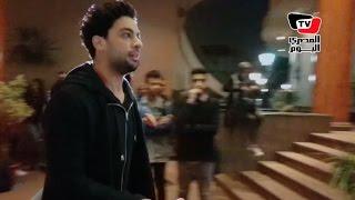 رامي صبري وأحمد جمال يقدمان العزاء في والد أمير طعيمة