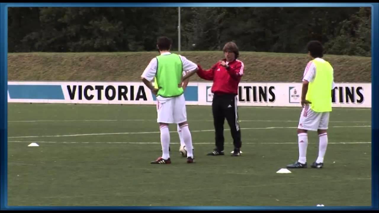 Fussball Training mit U19 Schalke 04: 4plus2 gegen 2 mit 4 Farben ...