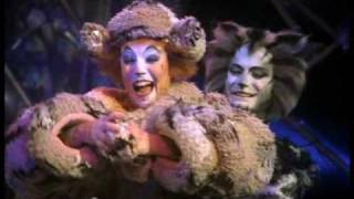 The Old Gumbie Cat  - HD, from Cats the Musical - the film.