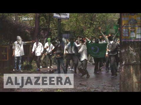 Kashmir students, India police clash in Srinagar