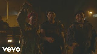 Official music video for 'sinenkani ft. dj tira and naakmusiq' by gqom duo distruction boyz. download or stream the audio track here - https://sonymusicafric...