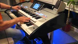 James Last Medley (Games that lovers play u.a.) Yamaha Tyros 4  (Black Panther)