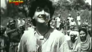 YouTube   VERY POPULAR OLD INDIAN SONG TU GANGA KI MAUJ MAIN JAMNA KA B   W