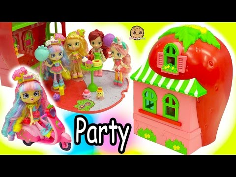 Thumbnail: Shoppies Dolls Party At Strawberry Short Cakes House + Season 7 Shopkins Surprise Blind Bags