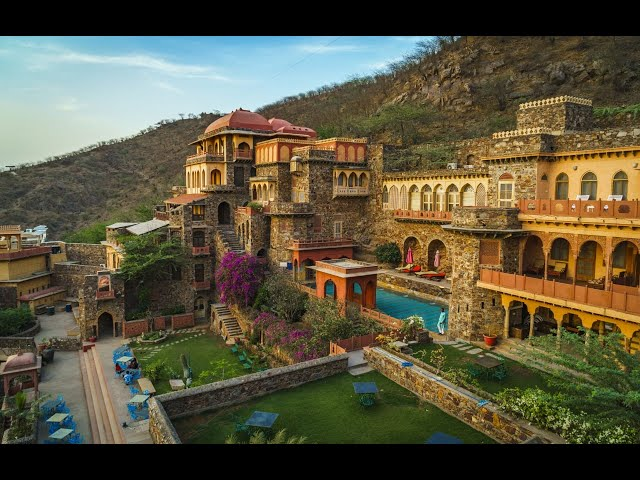 Neemrana Fort Palace : Flying Fox | Neemrana Hotels | Insane Travellers
