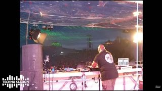 Carl Cox plays Sergy Casttle - Arpeggiator @ Dance Valley 2008...