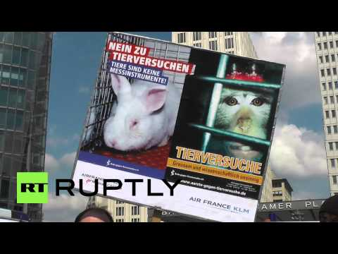 Germany: Animal rights advocates march on Merkel