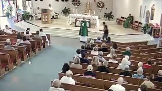 Video shows man attack Catholic deacon during holy Mass in Pompano Beach