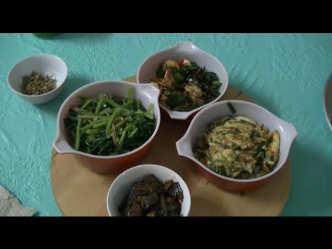 Spinach w Anchovies, Omellete w Spring Onions, Butter Prawns w Curry Leaves
