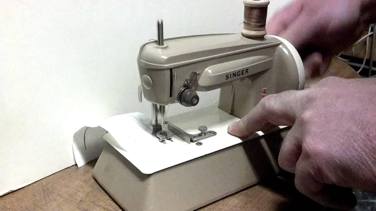 Vintage 1962 Singer 40k Hand Crank Child S Chain Stitch
