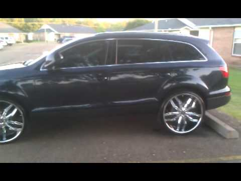 Audi Q7 on 26 inch lexani rims - YouTube