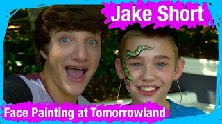 Jake Short Gets His Face Painted in TOMORROWLAND! | WDW Best Day Ever