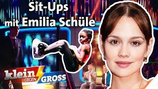 Sandra (11) gegen emilia schüle: wer schafft mehr sit-ups kopfüber hängend? ist ein echtes multitalent: bereits im alter von 4 jahren konnte sie sich ...