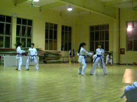 Taekwondo - Len dai xanh 2 dang Contest